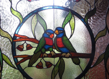 Bird design leadlight glass